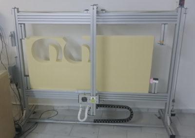 Řezačka polystyrenu